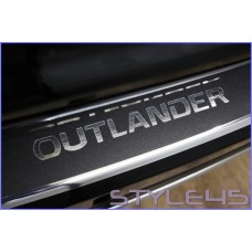 Наклейка на задний бампер Mitsubishi Outlander 3