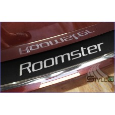 Наклейка на задний бампер Skoda Roomster