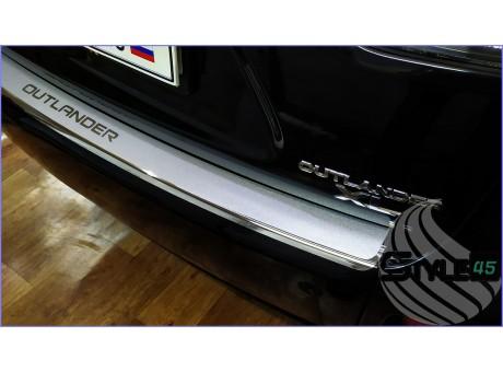Наклейка на задний бампер Mitsubishi Outlander 2