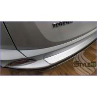 Наклейка на задний бампер Toyota RAV4