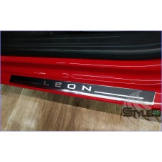 Наклейки на пороги SEAT Leon 2