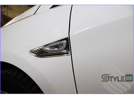 Наклейки на крыло Hyundai Solaris
