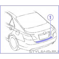 Наклейка на задний бампер для Toyota Camry  4